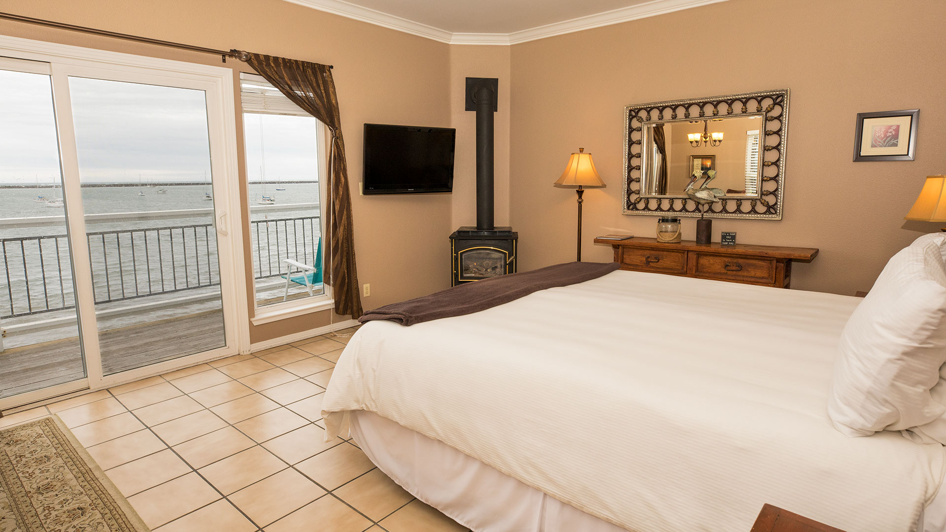 Dunes Oceanfront Room - Inn at Mavericks