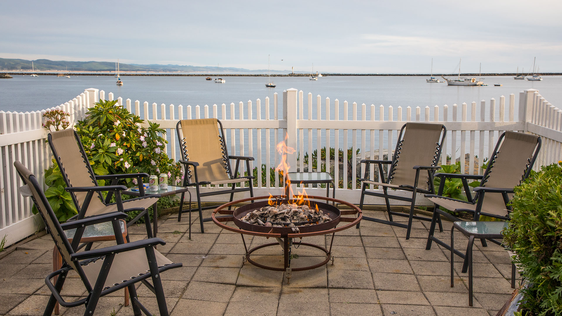 Inn at Mavericks Outdoor Fire-Pit Overlooking The Bay